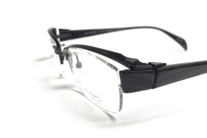 Side view of Kio Yamato eyeglasses